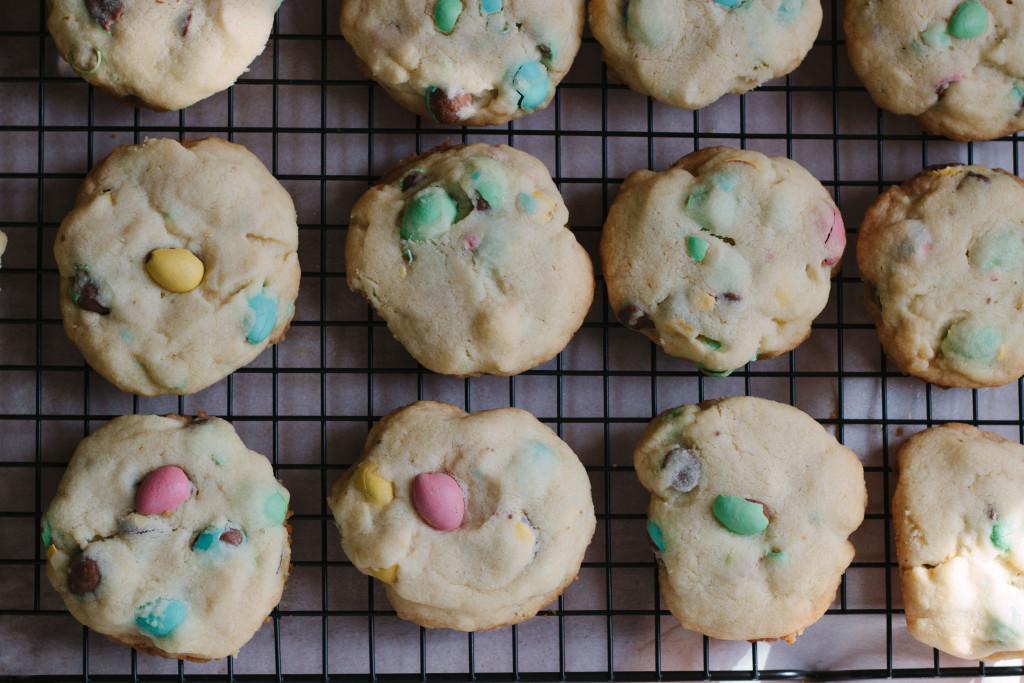 mini eggs shortbread cookies